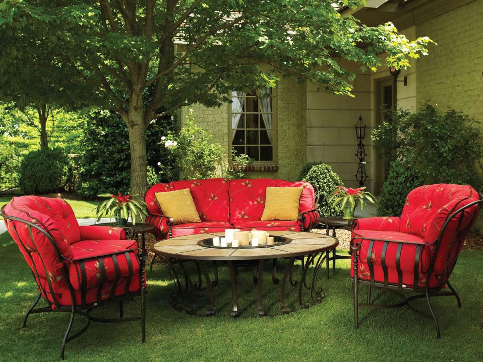 Comment am nager son jardin avec des meubles tendance - Comment decorer son jardin pas cher ...